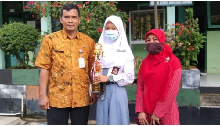 SMKN 7 Purworejo Juara Fashion Technology LKS Kabupaten